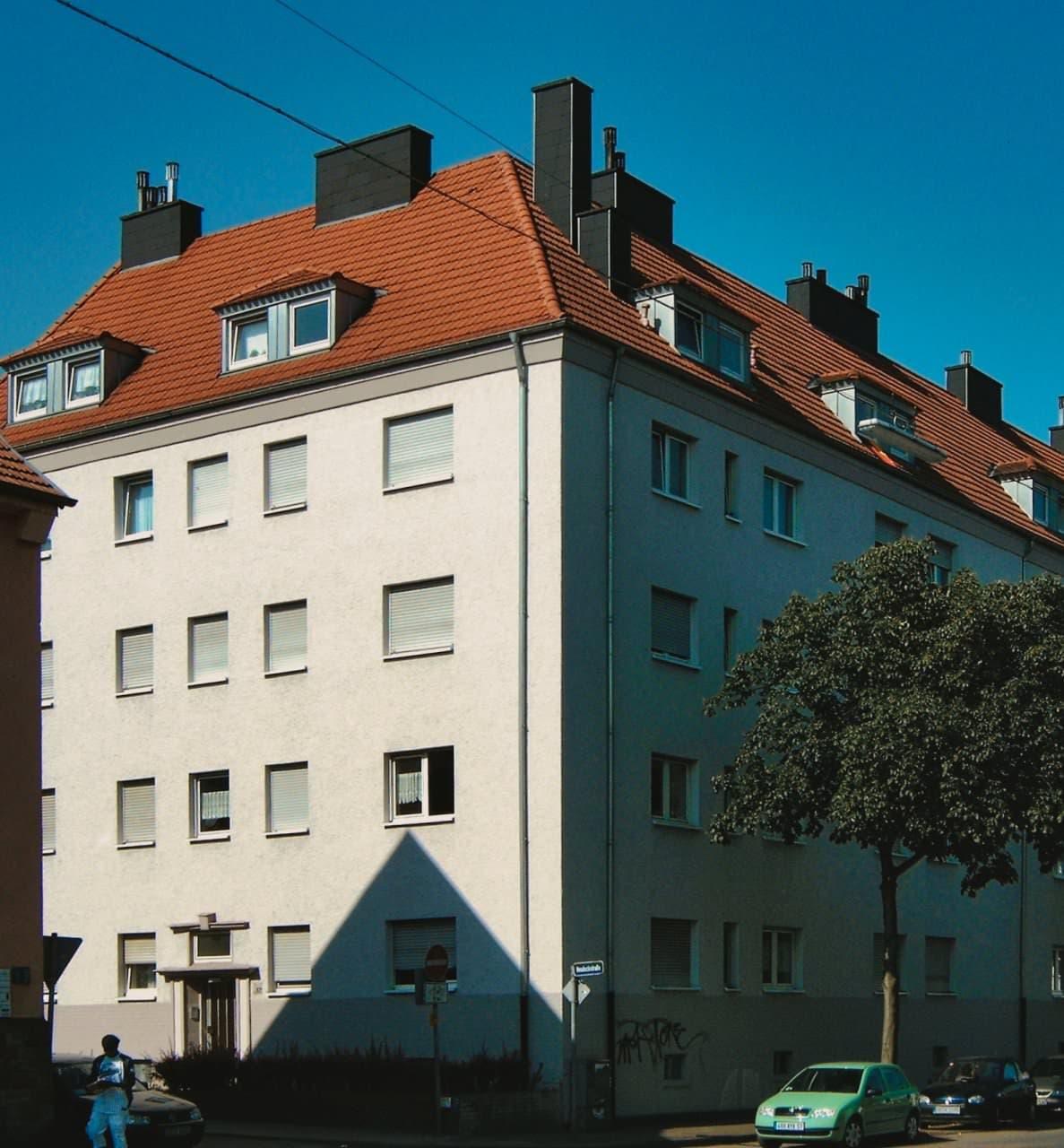 Neueindeckung eines Mehrfamilienhauses
