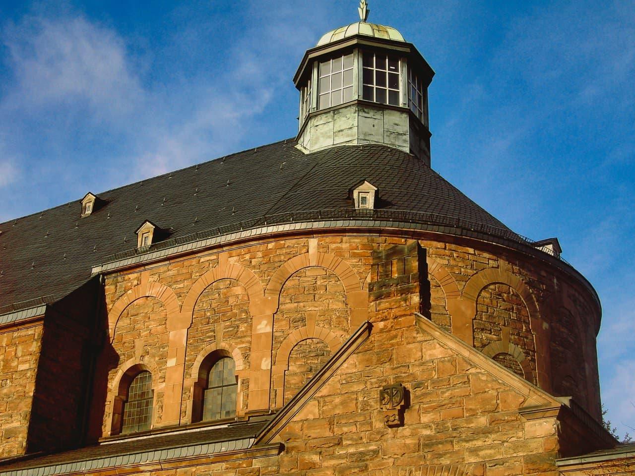 8 Kirche Christkönig in Saarbrücken Neueindeckung mit Schiefer