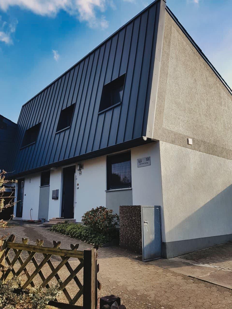 Neueindeckung Einfamilienhaus Aluminium-Doppelstehfalzeindeckung